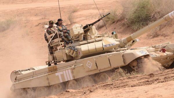 Lắp ghế bành bên ngoài xe tăng T-90 cho chỉ huy khỏi mệt? - Sputnik Việt Nam