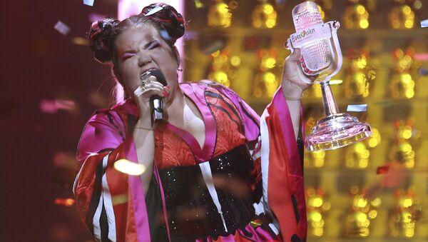 Đại diện Israel là nữ ca sĩ Netta - Sputnik Việt Nam