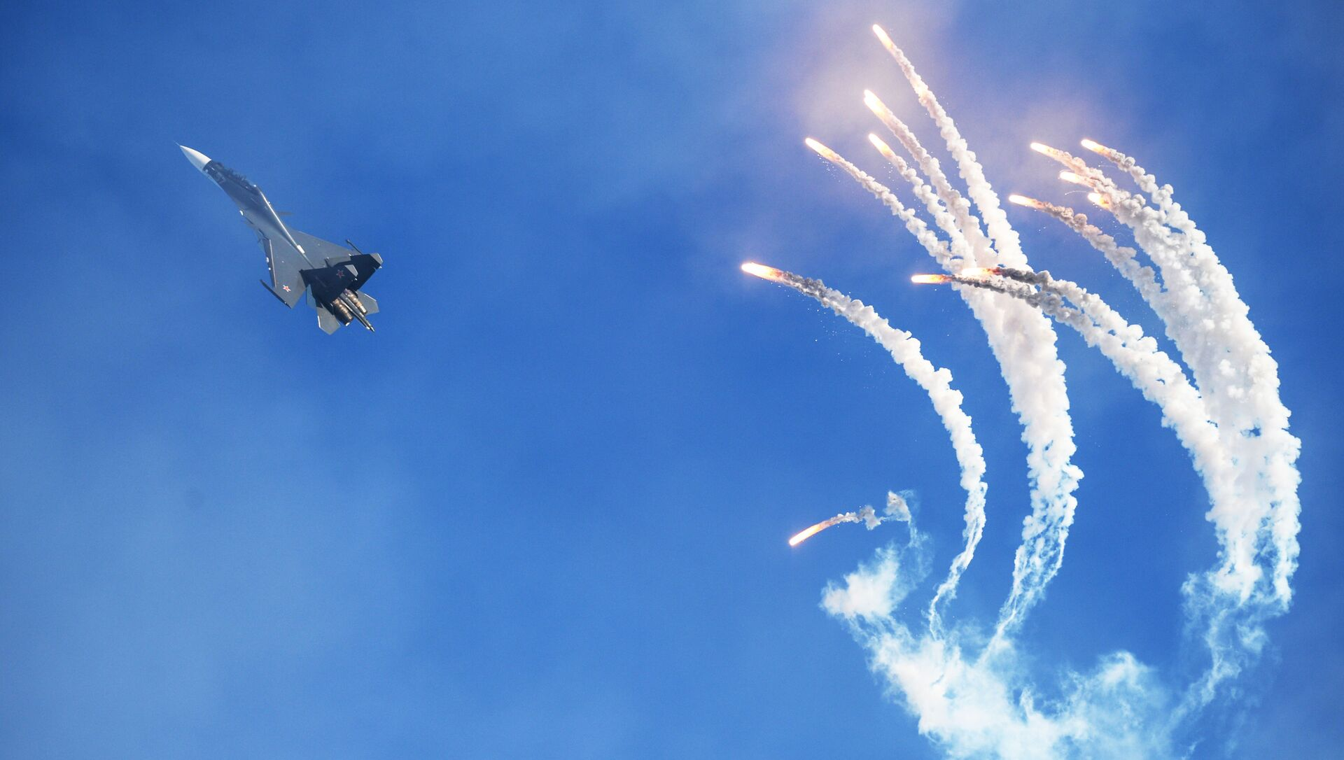 Máy bay chiến đấu Su-30  - Sputnik Việt Nam, 1920, 19.07.2021