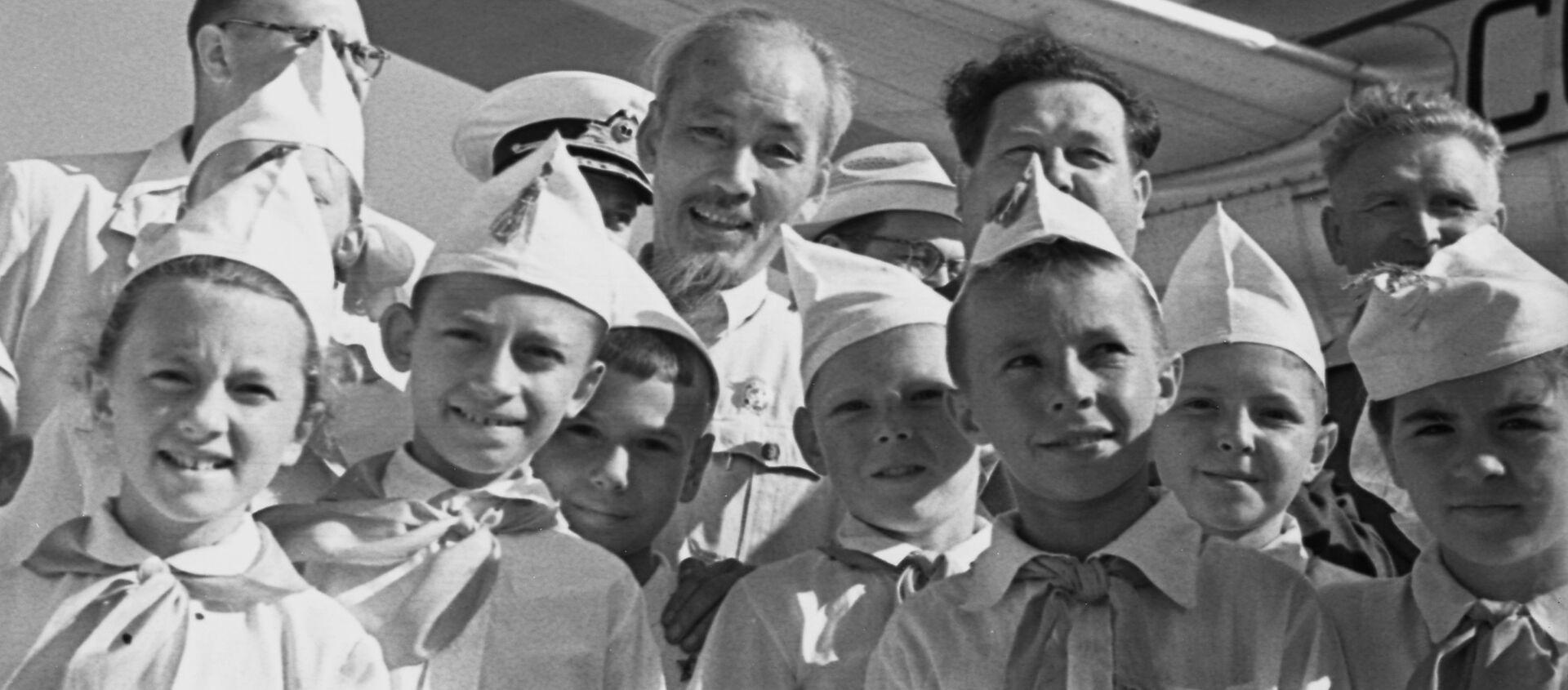 Chủ tịch nước Việt Nam DCCH Hồ Chí Minh thăm Sevastopol - Sputnik Việt Nam, 1920, 19.05.2020