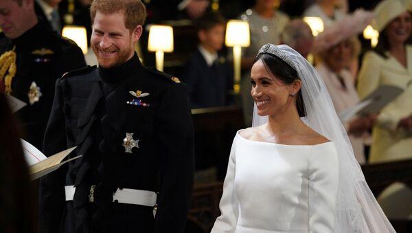 Hoàng tử Harry và Megan Markle - Sputnik Việt Nam
