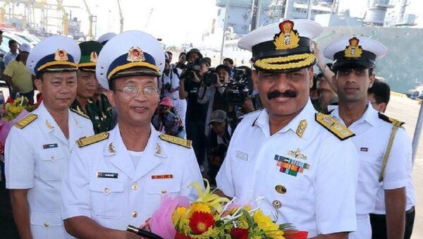 Lễ đón sỹ quan, thủy thủ đoàn tàu Hải quân Ấn Độ tại cảng Tiên Sa (Đà Nẵng). - Sputnik Việt Nam
