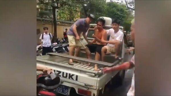Rapper hẹn đánh nhau bị úp sọt bể đầu - Sputnik Việt Nam