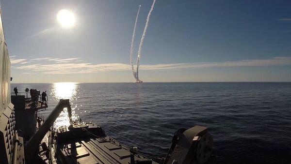 """Cuộc phóng tên lửa """"Bulava"""" ở Bạch Hải - Sputnik Việt Nam"""