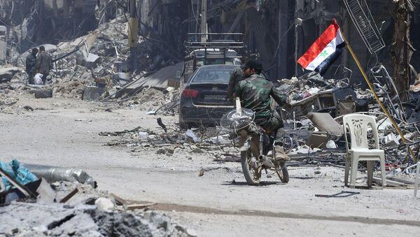 quân đội chính phủ xuất phát từ trại tị nạn Yarmuk, Damascus - Sputnik Việt Nam