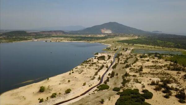 Toàn cảnh mỏ sắt lớn nhất Đông Nam Á - Sputnik Việt Nam