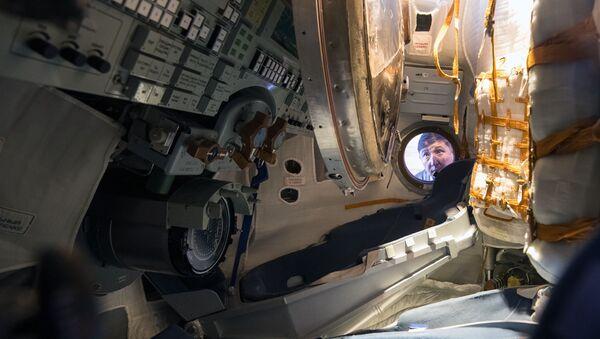Phi thuyền lander Soyuz TMA-16M tại Triển lãm quốc tế lần thứ V về vũ khí và trang thiết bị quân sự KADEX-2018 - Sputnik Việt Nam