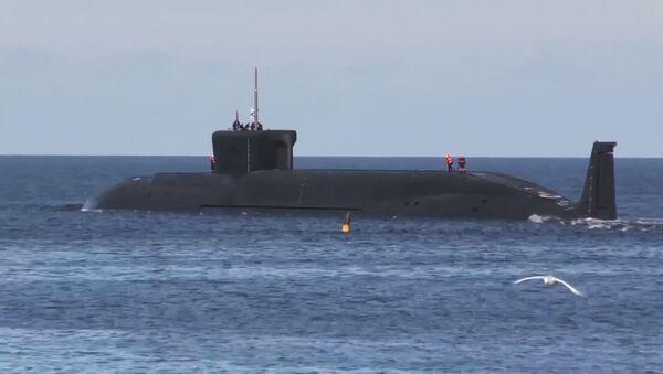 Запуск ракеты Булава по полигону Кура с подводного крейсера Юрий Долгорукий в Белом море - Sputnik Việt Nam