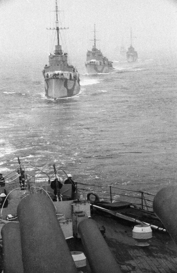 Ngư lôi hạm của Hạm đội Bắc trong Chiến tranh  Vệ quốc Vĩ đại - Sputnik Việt Nam