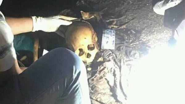Hộp sọ người tại vị trí phát hiện. - Sputnik Việt Nam
