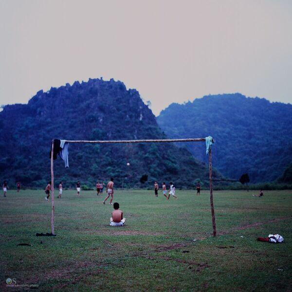 Trong một trận đấu bóng đá ở Việt Nam - Sputnik Việt Nam