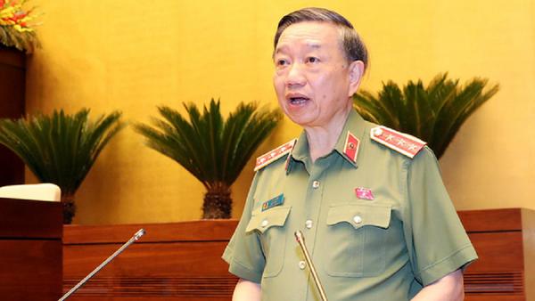 Thượng tướng Tô Lâm - bộ trưởng Bộ Công an - báo cáo về dự thảo Luật công an nhân dân sửa đổi sáng 7-6 - Sputnik Việt Nam