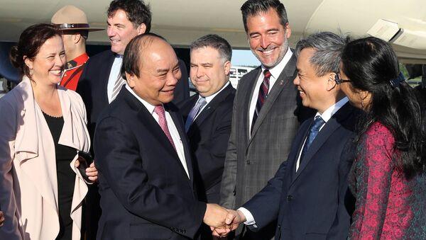 Lễ đón Thủ tướng Nguyễn Xuân Phúc tại sân bay quốc tế Jean-Lesage, thành phố Quebec, Canada. - Sputnik Việt Nam