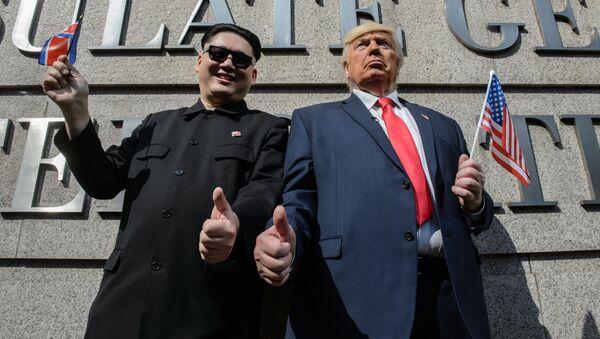 Người đóng thế Kim Jong-un và Donald Trump - Sputnik Việt Nam