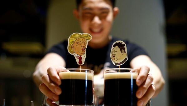 Bức ảnh của Kim Jong Un với Donald Trump - Sputnik Việt Nam
