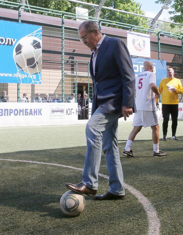 Bộ trưởng Ngoại giao LB Nga Sergei Lavrov tham dự Liên hoan bóng đá toàn Nga lần II của Liên đoàn bóng đá quốc gia - Sputnik Việt Nam