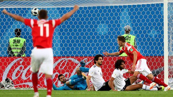 Trận đấu vòng bảng World Cup 2018 giữa các đội tuyển quốc gia Nga và Ai Cập - Sputnik Việt Nam