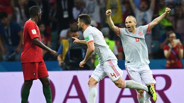 Trận đấu vòng bảng World Cup 2018 giữa các đội tuyển quốc gia Bồ Đào Nha và Tây Ban Nha - Sputnik Việt Nam