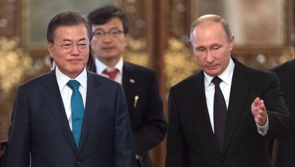 Moon Jae-in và Vladimir Putin - Sputnik Việt Nam