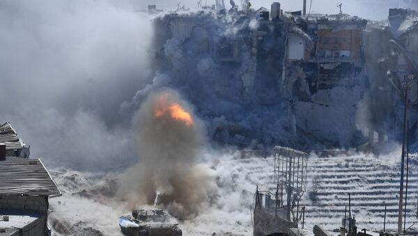 Chiến sự trong khu vực Muhayam-el-Yarmuk phía nam Damascus - Sputnik Việt Nam