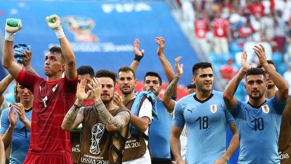 Trận đấu World Cup giữa Uruguay và Nga - Sputnik Việt Nam
