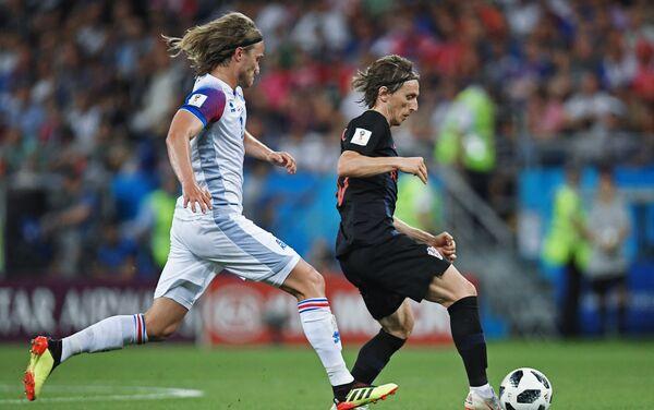 Trận đấu vòng bảng World Cup giữa đội tuyển Iceland và Croatia - Sputnik Việt Nam