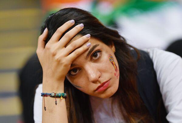 Nữ cổ động viên của đội tuyển quốc gia Iran sau trận đấu vòng bảng World Cup giữa các đội tuyển quốc gia Iran và Bồ Đào Nha - Sputnik Việt Nam
