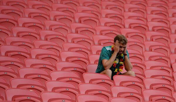 Fan của đội tuyển quốc gia Đức sau trận đấu vòng bảng World Cup giữa hai đội tuyển quốc gia Hàn Quốc và Đức - Sputnik Việt Nam