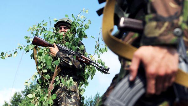 Binh sĩ Ukraina trong cuộc tập trận quốc tế Rapid Trident 2015 tại khu vực Lvov miền tây Ukraina - Sputnik Việt Nam