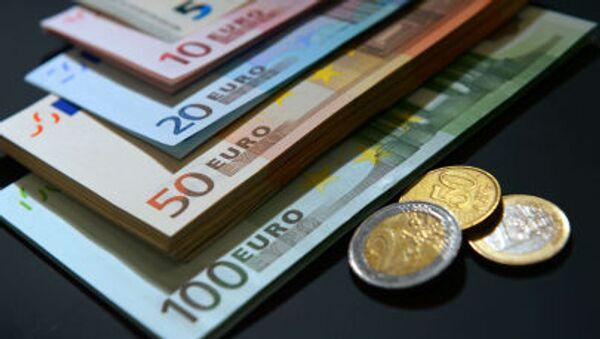 Những tờ tiền và đồng xu euro - Sputnik Việt Nam