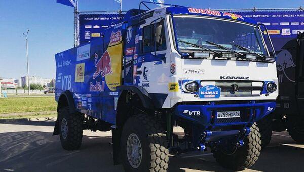 Первое фото новейшего гоночного грузовика КАМАЗ-мастер на автошоу в Набережных Челнах - Sputnik Việt Nam