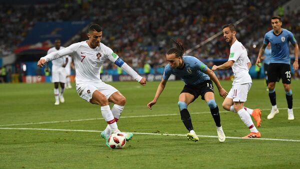 Trận đấu mở màn World Cup giữa Uruguay và Bồ Đào Nha - Sputnik Việt Nam