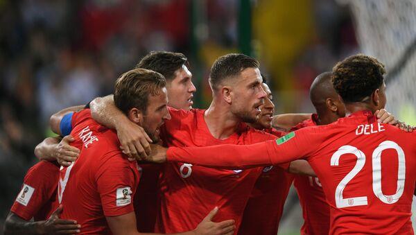Trận đấu World Cup giữa đội tuyển Colombia và Anh - Sputnik Việt Nam
