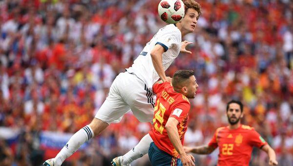 Hậu vệ của đội tuyển quốc gia Nga là Mario Fernandez - Sputnik Việt Nam