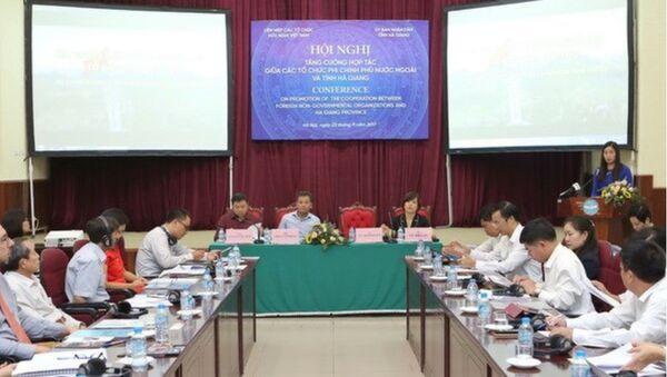 Hội nghị tăng cường hợp tác giữa các tổ chức phi Chính phủ nước ngoài và tỉnh Hà Giang tháng 9/2017 - Sputnik Việt Nam