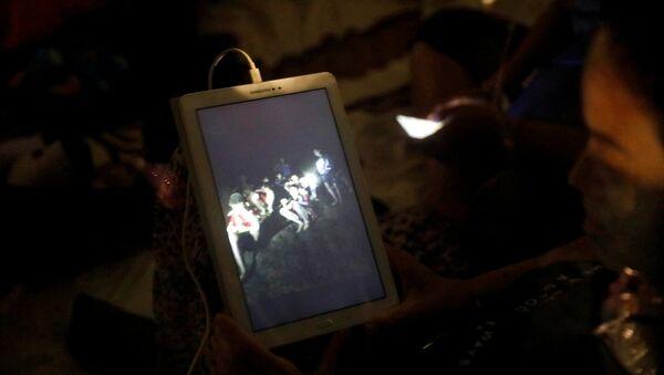Thợ lặn cho biết khi nào bắt đầu hoạt động đưa các trẻ em ra khỏi hang ngập ở Thái Lan - Sputnik Việt Nam