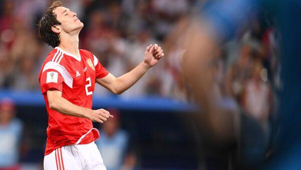 Mario Fernandez  trong trận đấu vòng tứ kết World Cup giữa đội tuyển Nga và Croatia - Sputnik Việt Nam