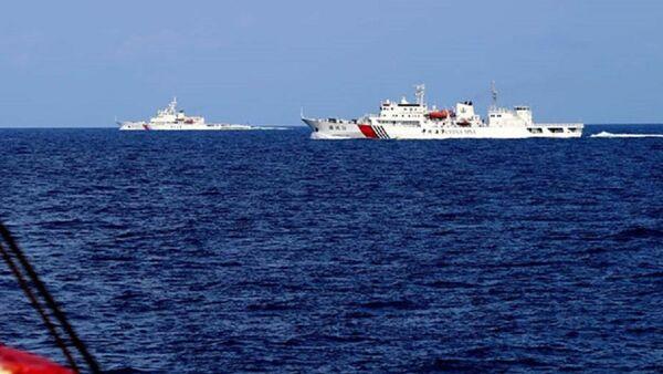 Tàu hải cảnh Trung Quốc hoạt động phi pháp tại Biển Đông - Sputnik Việt Nam