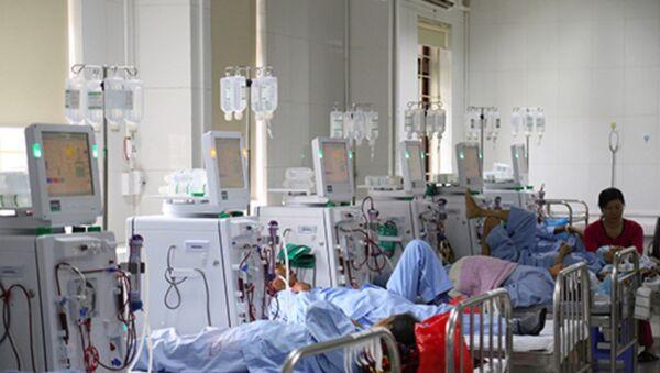Hệ thống máy chạy thận nhân tạo ở Bệnh viện đa khoa Hòa Bình. - Sputnik Việt Nam