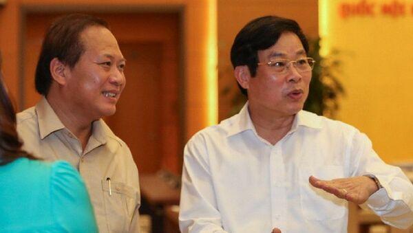 Ông Trương Minh Tuấn (trái) và ông Nguyễn Bắc Son - Sputnik Việt Nam