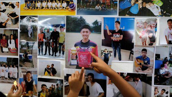 Thái Lan tìm thấy đội bóng thiếu niên mất tích 9 ngày trong hang động - Sputnik Việt Nam