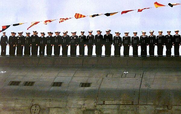 """Thủy thủ đoàn của tàu ngầm """"Kursk"""" trong lễ kỷ niệm Ngày Hải quân       - Sputnik Việt Nam"""