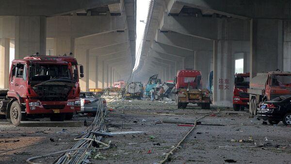 Những chiếc xe bị phá hủy trong vụ nổ ở Thiên Tân - Sputnik Việt Nam
