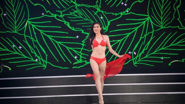 Thí sinh Hoa hậu Việt Nam trình diễn bikini - Sputnik Việt Nam