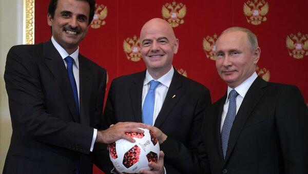 Lễ bàn giao tượng trưng cho Qatar quyền đăng cai World Cup tiếp theo - Sputnik Việt Nam