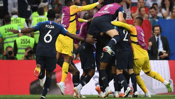 Trận đấu chung kết của FIFA World Cup giữa đội tuyển Pháp và đội tuyển Croatia - Sputnik Việt Nam