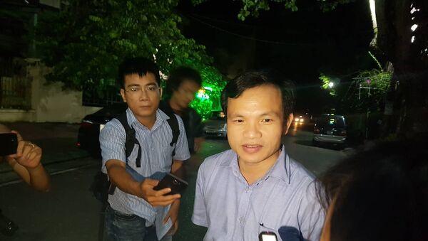 Ông Mai Văn Trinh trả lời báo chí về vụ việc điểm thi bất thường ở tỉnh Hà Giang lúc gần 1h sáng ngày 17/7. - Sputnik Việt Nam