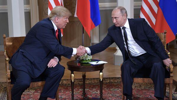 Donald Trump và Vladimir Putin  - Sputnik Việt Nam