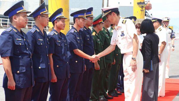 Lễ đón sỹ quan, thủy thủ tàu Huấn luyện Kojima của Lực lượng bảo vệ bờ biển Nhật Bản tại cảng Tiên Sa (Đà Nẵng). - Sputnik Việt Nam