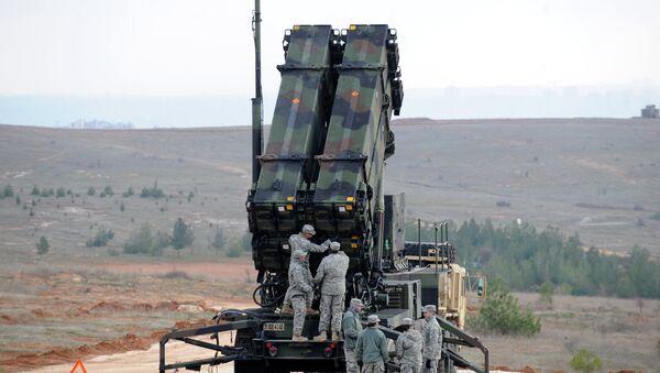 Tổ hợp tên lửa phòng không Patriot của Mỹ - Sputnik Việt Nam